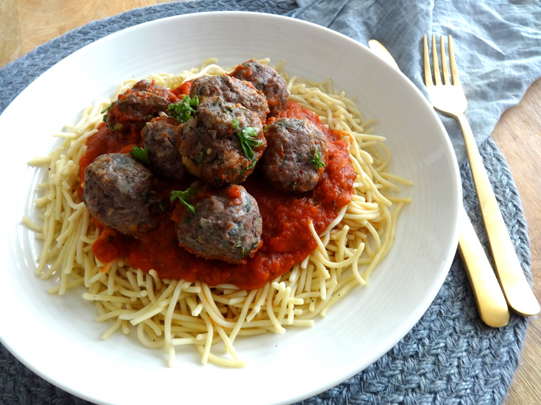 Lean Beef Meatballs | Gluten-Free | 2 Guys with Knives